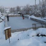 Normalität und Alltag: Im Winter nutzen wir unser Bad als Eisfeld